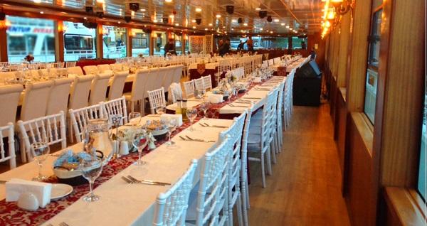 Bosphorus Tekne Turu'nda akşam yemeği 150 TL yerine 119,90 TL! Fırsatın geçerlilik tarihi için DETAYLAR bölümünü inceleyiniz.