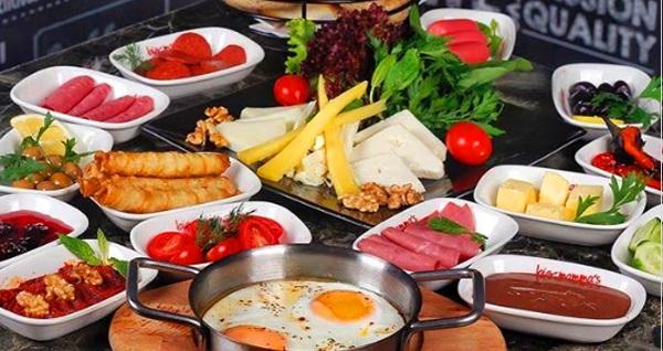 Big Mamma's Cafe Elite Marmara Residence'da enfes lezzetlerle dolu serpme kahvaltı kişi başı 24,90 TL! Fırsatın geçerlilik tarihi için DETAYLAR bölümünü inceleyiniz.