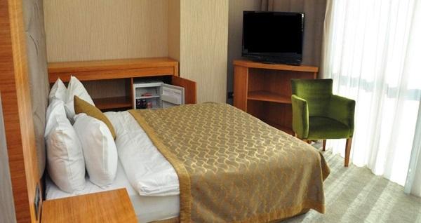 İstanbul'un gözde oteli Sahra Airport'ta kahvaltı dahil çift kişilik 1 gece konaklama 229 TL yerine 179 TL! Fırsatın geçerlilik tarihi için, DETAYLAR bölümünü inceleyiniz.