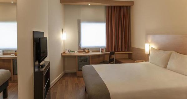Ibis Bursa Hotel'de çift kişilik 1 gece konaklama 156 TL'den başlayan fiyatlarla! Fırsatın geçerlilik tarihi için, DETAYLAR bölümünü inceleyiniz.