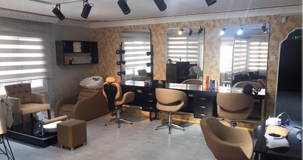 Svalin Güzellik Merkezi'nde saç bakım uygulamaları 450 TL yerine 99 TL! Fırsatın geçerlilik tarihi için DETAYLAR bölümünü inceleyiniz.