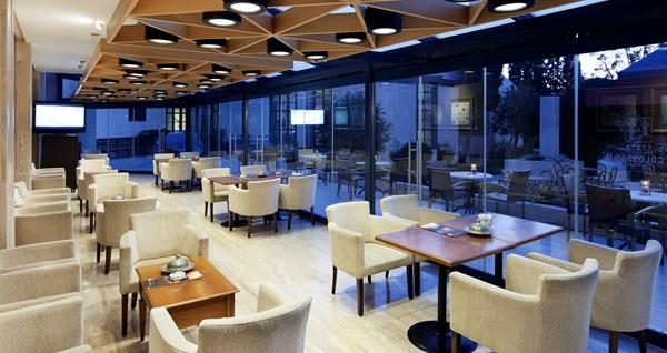 Pamukkale Spa Hotel Colossae Thermal'de çift kişilik odada kişi başı 1 gece YARIM PANSİYON konaklama keyfi! Fırsatın geçerlilik tarihi için DETAYLAR bölümünü inceleyiniz.
