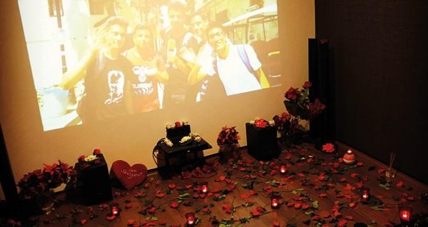 Cafe Dominant'ta özel sinema eşliğine evlenme teklifi, evlilik yıl dönümleri, doğum günleri, sevgiliye özel sürpriz paketi 199 TL! Fırsatın geçerlilik tarihi için DETAYLAR bölümünü inceleyiniz.