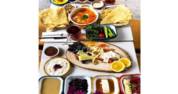 Creper Karaköy'den enfes tatlarla dolu sınırsız çay eşliğinde serpme kahvaltı menüsü 33 TL! Fırsatın geçerlilik tarihi için DETAYLAR bölümünü inceleyiniz.