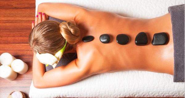 Le Perle Spa&Estetik'de 50 dakika masaj uygulaması