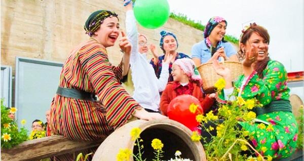 İstanbul kalkışlı 11. Alaçatı Ot Festivali kapsamında PNR  Magic Travel Agency ile 2 gece 3 gün konaklamalı tur keyfi! 10-12 Nisan tarihindeki tur için geçerlidir.