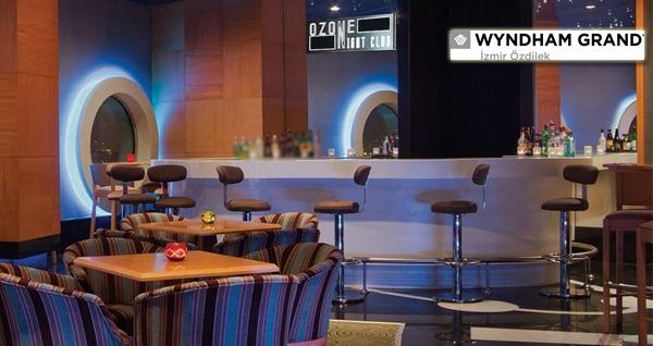 İzmir Körfezi'ne hakim manzarası ile Wyndham Grand İzmir Özdilek Ozone Night Club'ta canlı müzik eşliğinde limitsiz yerli içecekli aperitif tabağı 88 TL! Fırsatın geçerlilik tarihi için, DETAYLAR bölümünü inceleyiniz.