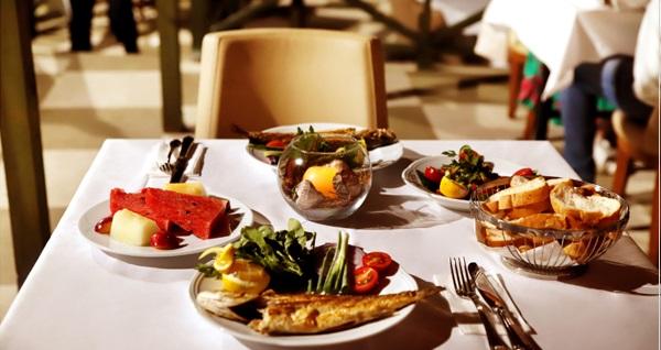 Grand Şile Otel'de denize nazır kahvaltı dahil çift kişilik konaklama keyfi 299 TL! Fırsatın geçerlilik tarihi için DETAYLAR bölümünü inceleyiniz.
