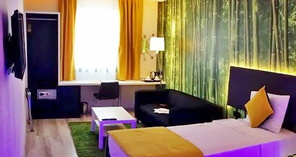 Bahçelievler'in renkli adresi Tempo Suites Airport'ta kahvaltı dahil çift kişilik 1 gece konaklama 239 TL! Fırsatın geçerlilik tarihi için, DETAYLAR bölümünü inceleyiniz.