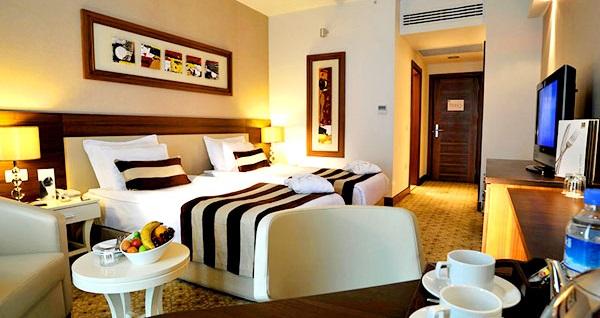 Baia Hotel'de çift kişilik konaklama keyfi 362 TL'den başlayan fiyatlarla! Fırsatın geçerlilik tarihi için DETAYLAR bölümünü inceleyiniz.