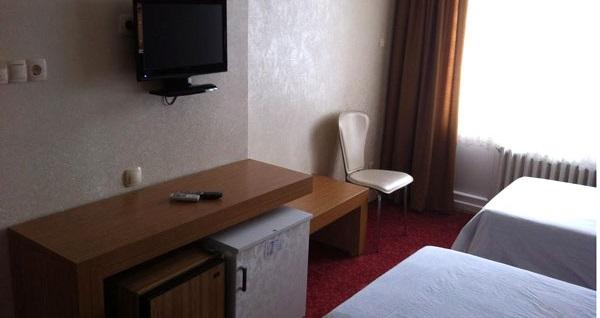 Eskişehir Uysal Termal Otel'de havuzlu özel aile odası kahvaltı+türk hamamı dahil çift kişilik 1 gece konaklama keyfi! Fırsatın geçerlilik tarihi için DETAYLAR bölümünü inceleyiniz.