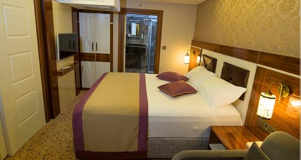 Ruba Palace Thermal Hotel'de çift kişilik açık büfe kahvaltı dahil konaklama ve 1 saat termal VIP aile banyosu kullanımı 299 TL! Fırsatın geçerlilik tarihi için DETAYLAR bölümünü inceleyiniz.