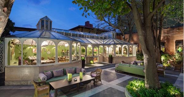 Hagia Sofia Mansions Istanbul Curio Collection by Hilton Yeşil Ev Garden Restaurant'ta enfes ''Türk Kahvaltısı'' kişi başı 70 TL! Fırsatın geçerlilik tarihi için DETAYLAR bölümünü inceleyiniz.