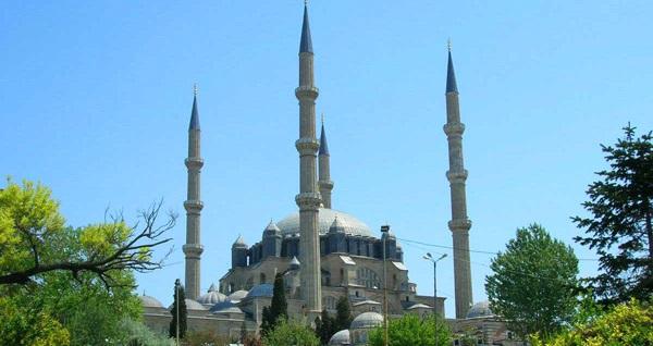 Osmanlı'nın başkentine kültürel yolculuk! Her Pazar hareketli Edirne Turu kişi başı 90 TL! Tur kalkış tarihleri için, DETAYLAR bölümünü inceleyiniz.