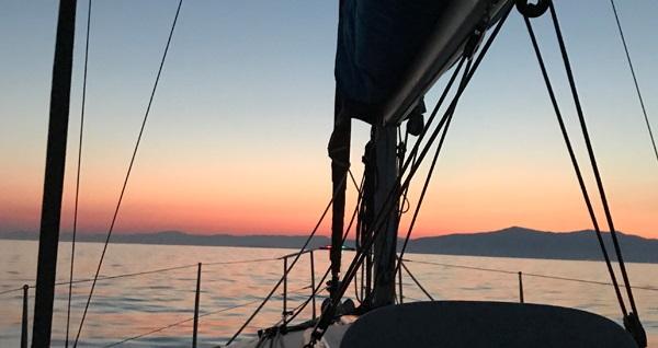 Eflatun Akademi ile 6 saat profesyonel yelkenli yat eğitimleri 375 TL yerine 200 TL! Fırsatın geçerlilik tarihi için DETAYLAR bölümünü inceleyiniz.