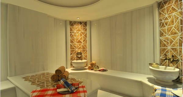 Holiday Inn İstanbul Kadıköy Beg Spa'da ıslak alan kullanımı, masaj ve kahve ikramı 139 TL'den başlayan fiyatlarla! Fırsatın geçerlilik tarihi için DETAYLAR bölümünü inceleyiniz.