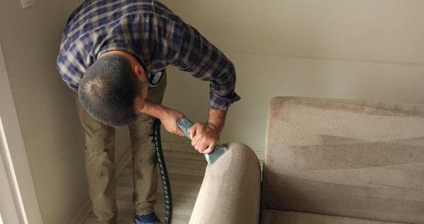 Egemert Temizlik'ten koltuk takımı temizliği 150 TL yerine 99 TL! Fırsatın geçerlilik tarihi için DETAYLAR bölümünü inceleyiniz.