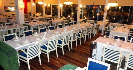 Küçükyalı Lakerda Balık'ta Adalar'a karşı ister et, ister balık lezzetleriyle süslü zengin iftar menüsü 44 TL! 18 Haziran-16 Temmuz 2015 tarihleri arasında, iftar saatinde geçerlidir. 0-6 yaş arası ücretsizdir.