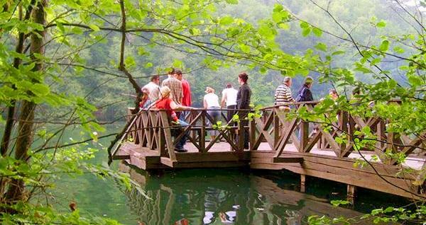 Doğa tutkunlarına özel hafta sonu keyfi! Malitur ile günübirlik serpme kahvaltı dahil 'Abant & Maşukiye & Ormanya Turu' (kişi başı) 129 TL! Tur kalkış tarihleri için, DETAYLAR bölümünü inceleyiniz.