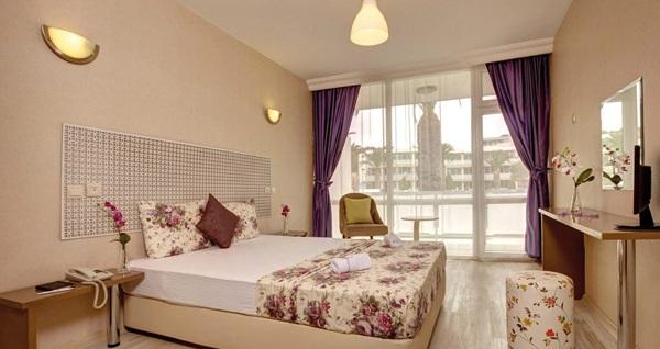 HER ŞEY DAHİL A11 Hotel Çeşme'de çift kişilik odalarda kişi başı 3 gece konaklama 1.389 TL'den başlayan fiyatlarla! Fırsatın geçerlilik tarihi için, DETAYLAR bölümünü inceleyiniz.