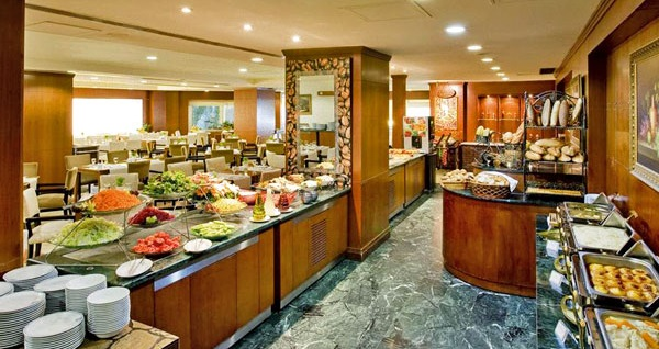 The Green Park Hotel Bostancı'da kahvaltı dahil çift kişilik 1 gece konaklama 279 TL yerine 229 TL! Fırsatın geçerlilik tarihi için, DETAYLAR bölümünü inceleyiniz.