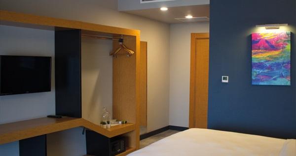 Yeni nesil konaklama deneyimi... Sapanca'ya yakın konumu ile Roof 264 Hotel & Suites'te kahvaltı dahil çift kişi 1 gece konaklama 220 TL! Fırsatın geçerlilik tarihi için DETAYLAR bölümünü inceleyiniz.