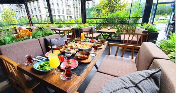 Mucco Cafe Zeytinburnu'nda çift kişilik serpme kahvaltı keyfi 110 TL yerine 89,90 TL! Fırsatın geçerlilik tarihi için DETAYLAR bölümünü inceleyiniz.