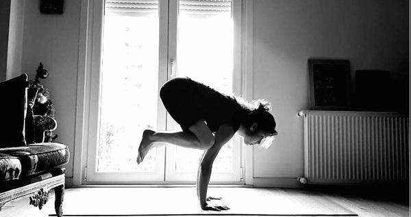 Melek Tanker ile 1 seans online yoga eğitimi 450 TL yerine 125 TL! Fırsatın geçerlilik tarihi için DETAYLAR bölümünü inceleyiniz.