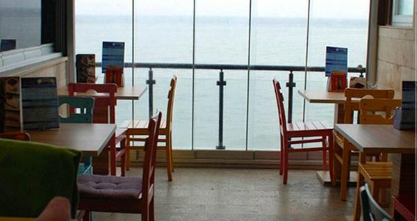 Mudanya Blue Cafe'de denize nazır yemek menüsü 24,90 TL! Fırsatın geçerlilik tarihi için, DETAYLAR bölümünü inceleyiniz.
