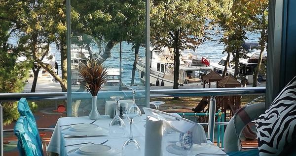 Kuruçeşme Ay Balık & Et Restaurant'ta Boğaz manzarası eşliğinde enfes balık menüsü 65 TL! Fırsatın geçerlilik tarihi için DETAYLAR bölümünü inceleyiniz.