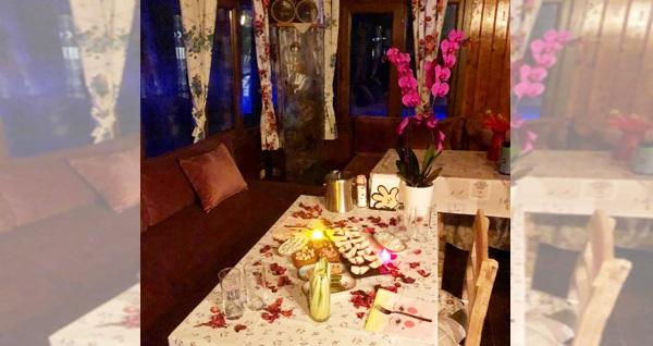 Beykoz Kozalak Restaurant'ta muhteşem göl manzarası eşliğinde evlilik teklifi paketi 499 TL! Fırsatın geçerlilik tarihi için, DETAYLAR bölümünü inceleyiniz.