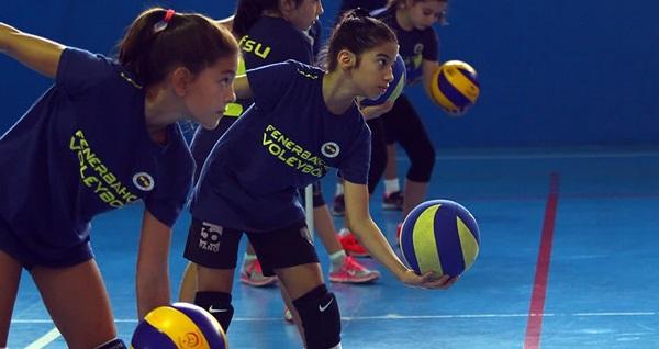 Fenerbahçe Spor Okulları'ndan çocuk ve gençlere özel voleybol ve basketbol eğitimleri 350 TL yerine 99 TL! Fırsatın geçerlilik tarihi için DETAYLAR bölümünü inceleyiniz.