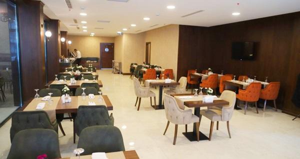 Kavaklıdere Q Hotel Ankara'da kahvaltı dahil çift kişilik 1 gece konaklama keyfi 229 TL yerine 179 TL! Fırsatın geçerlilik tarihi için, DETAYLAR bölümünü inceleyiniz.