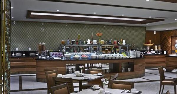 Hotel Mercure Istanbul Topkapı'da En Uygun Fiyatlı Konaklama Seçenekleri Grupanya'da! Fırsatın geçerlilik tarihi için DETAYLAR bölümünü inceleyiniz.