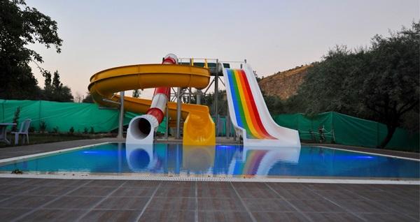 Yenikent Vadi Zir Aqua'da haftanın her günü geçerli havuz girişi 34,90 TL! Fırsatın geçerlilik tarihi için DETAYLAR bölümünü inceleyiniz.