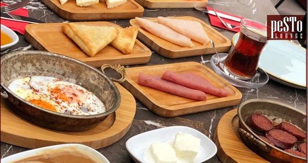 Zekeriyaköy Pesto Lounge'de 2 kişilik serpme kahvaltı keyfi 95 TL yerine 65 TL! Fırsatın geçerlilik tarihi için DETAYLAR bölümünü inceleyiniz.