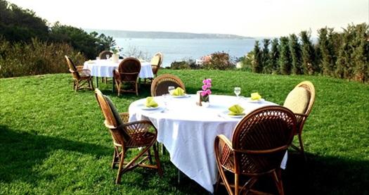 Anadolu Feneri Taşlıhan Restaurant'ta Boğaz manzarasına nazır kahvaltı keyfi 40 TL yerine 23,90 TL! 30 Haziran 2015 tarihine kadar geçerlidir.