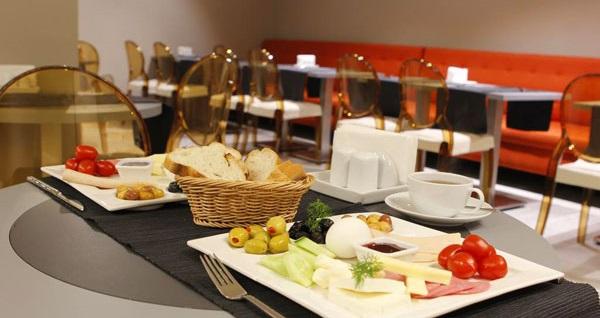 The Biancho Pera'da kahvaltı dahil 1 gece konaklama seçenekleri 249 TL! Fırsatın geçerlilik tarihi için DETAYLAR bölümünü inceleyiniz.