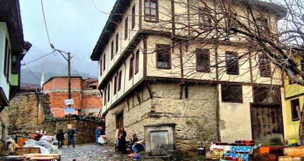 Her Pazar hareketli günübirlik Bursa - Cumalıkızık - İznik turu kişi başı 200 TL yerine 90 TL! Tur kalkış tarihleri için, DETAYLAR bölümünü inceleyiniz.
