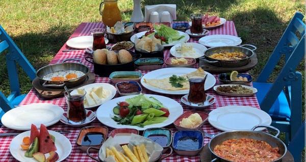 Tarihi Tuzla Tesisleri'nde enfes serpme kahvaltı keyfi 59 TL! Fırsatın geçerlilik tarihi için DETAYLAR bölümünü inceleyiniz.