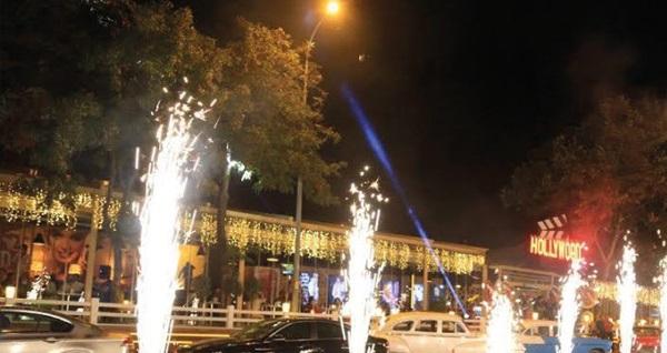 Kızkulesi'ne nazır Salacak Sahil Yolu Hollywoodcity Cafe'de lezzetli iftar menüsü 125 TL yerine 59,90 TL! Bu fırsat 6 Mayıs - 3 Haziran 2019 tarihleri arasında, iftar saatinde geçerlidir.