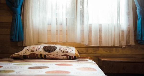 Olympos Orange Pansiyon'da bungalovlarda çift kişilik 1 gece konaklama seçenekleri 350 TL! Fırsatın geçerlilik tarihi için DETAYLAR bölümünü inceleyiniz.