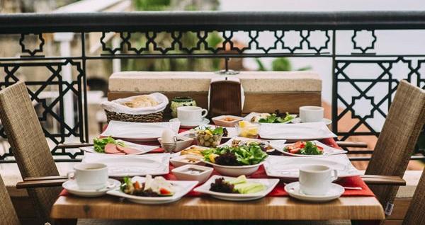 Kaleiçi Antalya Inn Hotel'de kahvaltı dahil çift kişilik 1 gece konaklama! Fırsatın geçerlilik tarihi için DETAYLAR bölümünü inceleyiniz.