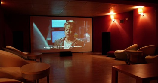 Kaçırdığınız filmlerin adresi Cihangir Kafika'dan size özel gösterim! 2 kişilik özel gösterim sinema 90 TL yerine 45 TL! Fırsatın geçerlilik tarihi için, DETAYLAR bölümünü inceleyiniz.