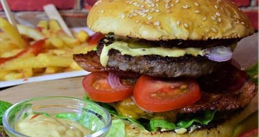 Kordon Araf Lounge'ta içecek dahil pizza, mantı veya hamburger menü seçenekleri 38 TL yerine 24,90 TL ! Fırsatın geçerlilik tarihi için DETAYLAR bölümünü inceleyiniz.