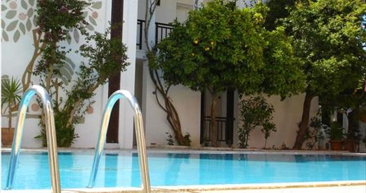 Limon ağaçlarının gölgesindeki Göltürkbükü Ece Hotel'de kahvaltı dahil çift kişilik 1 gece konaklama 160 TL yerine 69 TL! Fırsatın geçerlilik tarihi için, DETAYLAR bölümünü inceleyiniz.