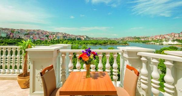 Ramada Hotel & Suites İstanbul Golden Horn'da kahvaltı dahil çift kişilik 1 gece konaklama 409 TL yerine 359 TL! Fırsatın geçerlilik tarihi için DETAYLAR bölümünü inceleyiniz.