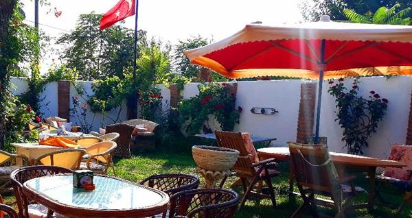 Can Efes Hotel'de doğa ile iç içe serpme kahvaltı keyfi kişi başı 40 TL yerine 22,50 TL! Fırsatın geçerlilik tarihi için, DETAYLAR bölümünü inceleyiniz.