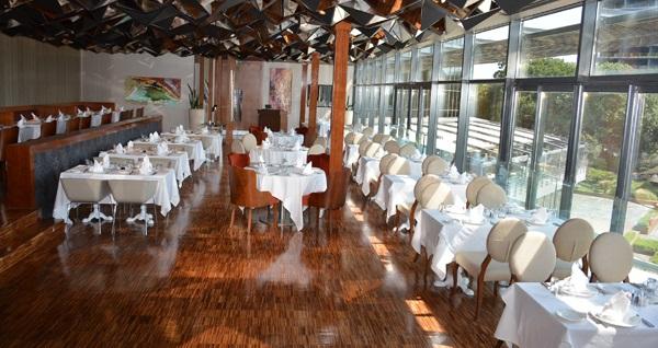 Sheraton İstanbul Ataköy Hotel Modern Meyhane MeyTürk Restaurant'ta Kadınlar Matinesi 150 TL yerine 120 TL! Fırsatın geçerlilik tarihi için DETAYLAR bölümünü inceleyiniz.