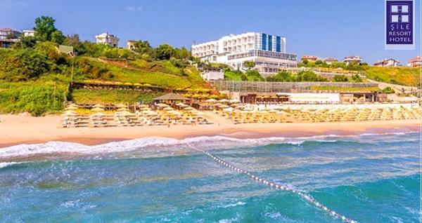 Şile Resort Hotel'de plaj girişi, açık havuz girişi, şezlong ve şemsiye kişi başı 39 TL! Fırsatın geçerlilik tarihi için DETAYLAR bölümünü inceleyiniz.